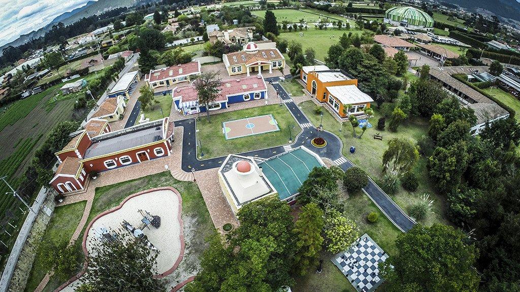 Gimnasio Campestre Los Cerezos (Cajicá)