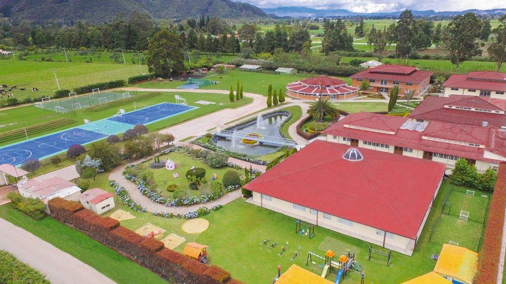 Gimnasio Campestre Reino Británico (Bogotá)