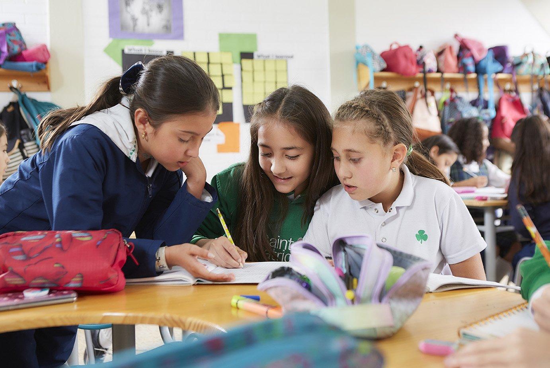estudiantes-del-colegio-san-patricio