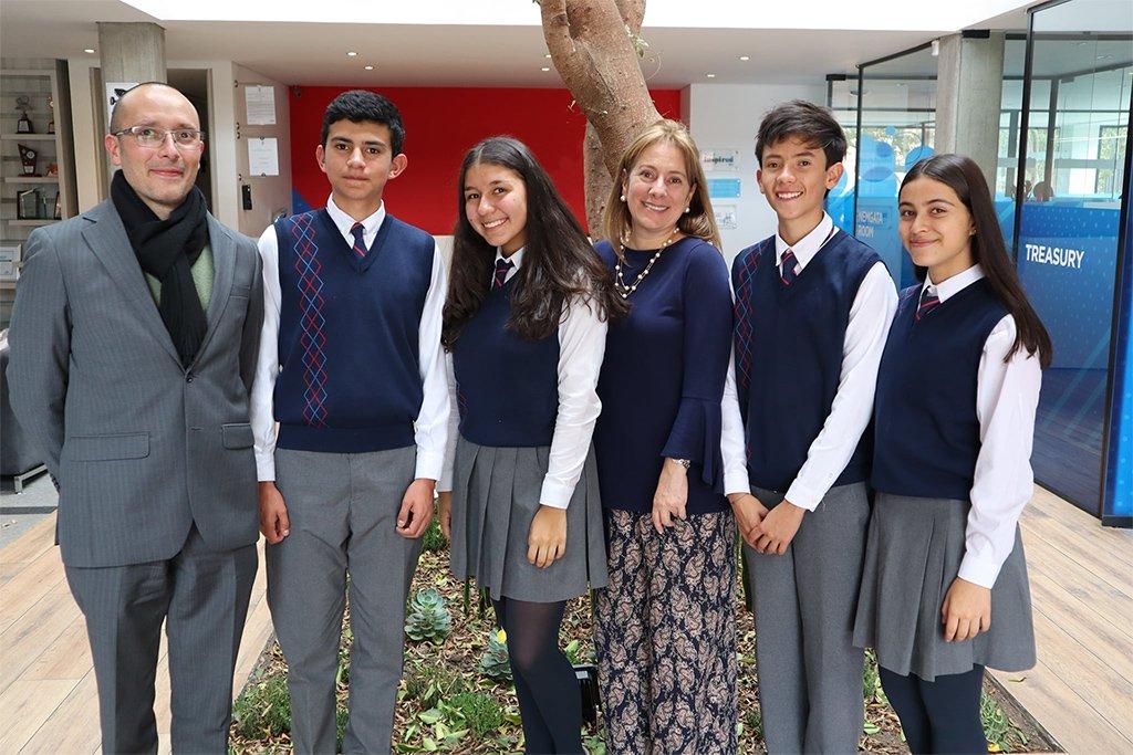 Un colegio internacional o un colegio en Bogotá que pertenezca a una red internacional, usted decide